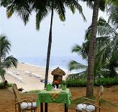 Manaltheeram Ayurvedic Beach Resort Garten1