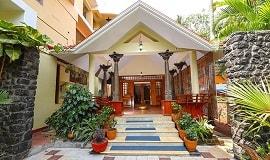 Nilayam-Ayurveda-Beach-Resort-Eingang1